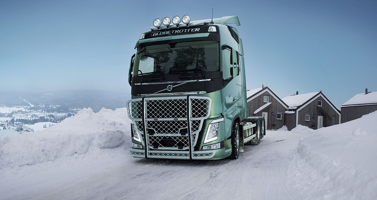 Volvo FH with a Highway (A16-2) and a Top-Bar (G16-4).