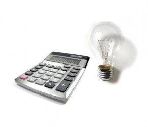 La subida de la luz nos costará 9 euros anuales; tener contratada más potencia de la cuenta, hasta 600 euros |