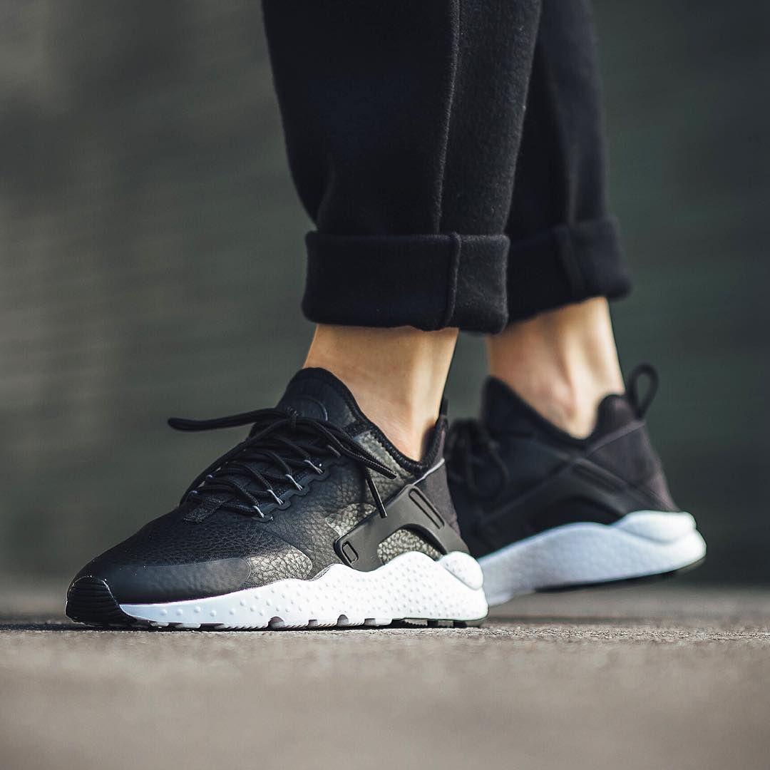 859511 001 Wmns Air Huarache Run Ultra Premium Nike Wmns Air Huarache Run Ultra Premium Sneaker Boutique Sneakers Air Huarache