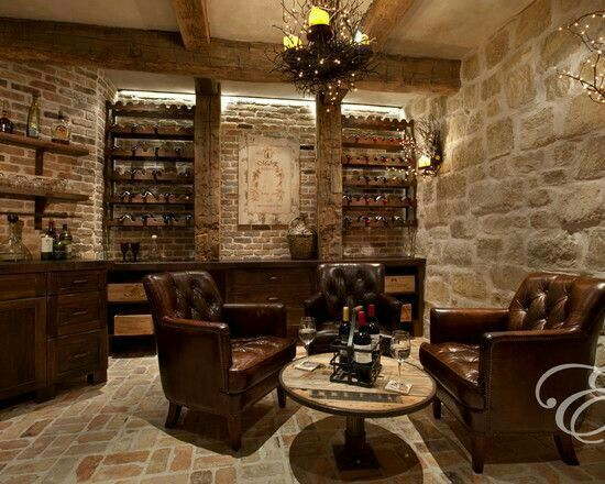 stoer mancave interieur chesterfield banken en stenen muren