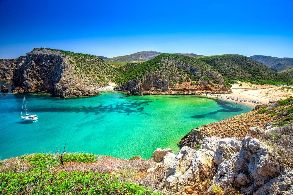 Playa Cala Domestica en Cerdeña.