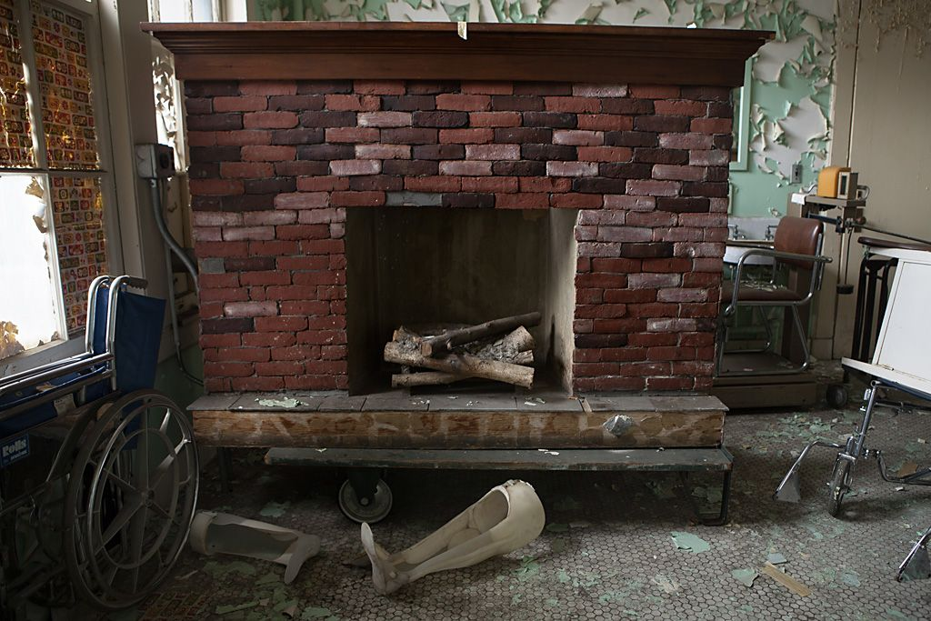Abandoned Hospital, Greatlin Infrared Electric Fireplace Tv Stand In Black Walnut 26mmas6064 Nw07