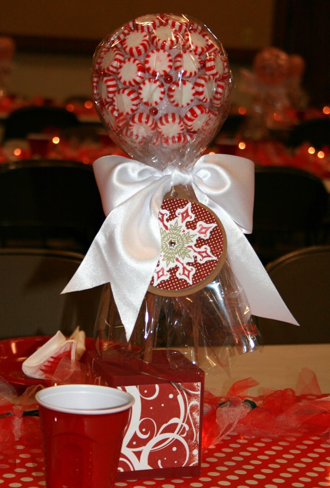 creative table centerpieces | Creative Centerpieces And Easy To Make Christmas  Centerpieces With Red .