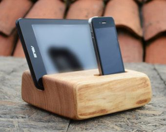 en bois iphone ipad tablet stand iphone station tablette support artisanal bois ipad dock. Black Bedroom Furniture Sets. Home Design Ideas