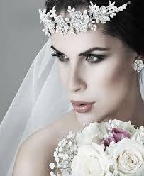 Resultado de imagem para noivas e grinaldas