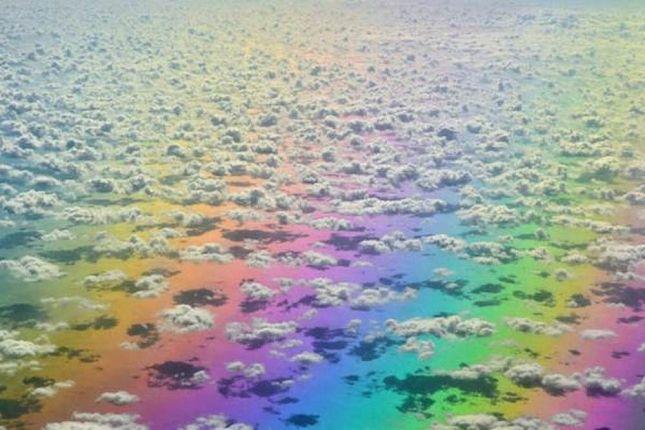 Un arc-en-ciel au dessus des nuages | Over the rainbow, Arc en ...