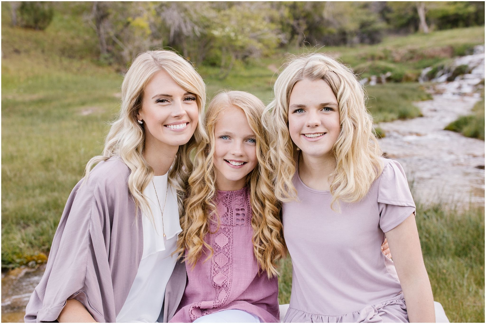 Extended Family Photography by Lizzie B Imagery. Utah based photographer. Contact us to schedule your family session! #extendedfamilyphotography
