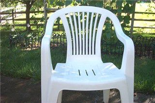 cleaning white resin patio furniture