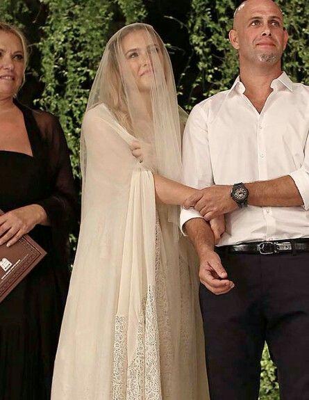 Bar Refaeli White Lace Wedding Dress Wedding Dress Sketches Wedding Dress Inspiration Celebrity Wedding Dresses