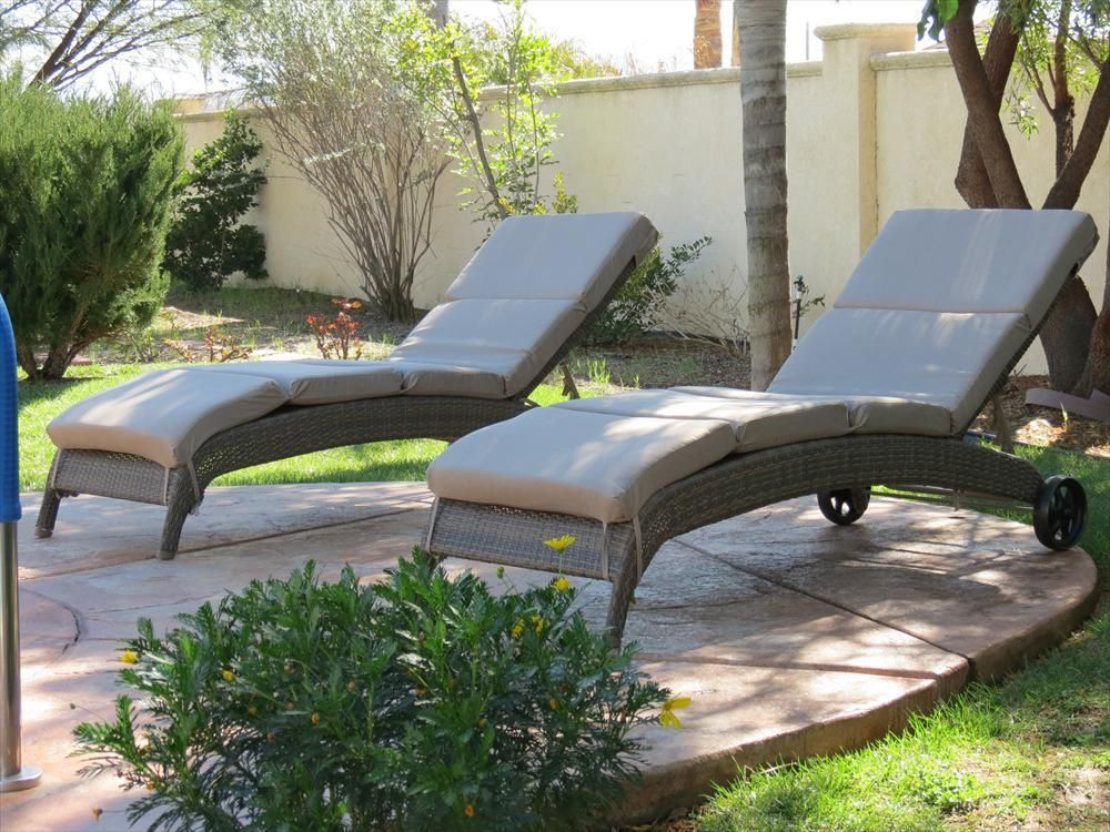 Resin Wicker Chaise Loungers