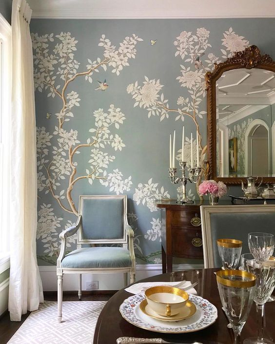Dining Room Tablescapes: Timeless And Classic Interiors