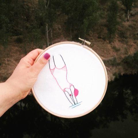 #Hoop #Hoopart #Bastidor #Embroidery #Handembroidery #Feitoamão #Ricamo #Ricamoamano #Bordar #Bordaramão #Needlepoint #Needlework #Needleart #Vintagelifestyle #Nadadora #Littlestitchesportugal #Nadar #Swiming #Swimmer