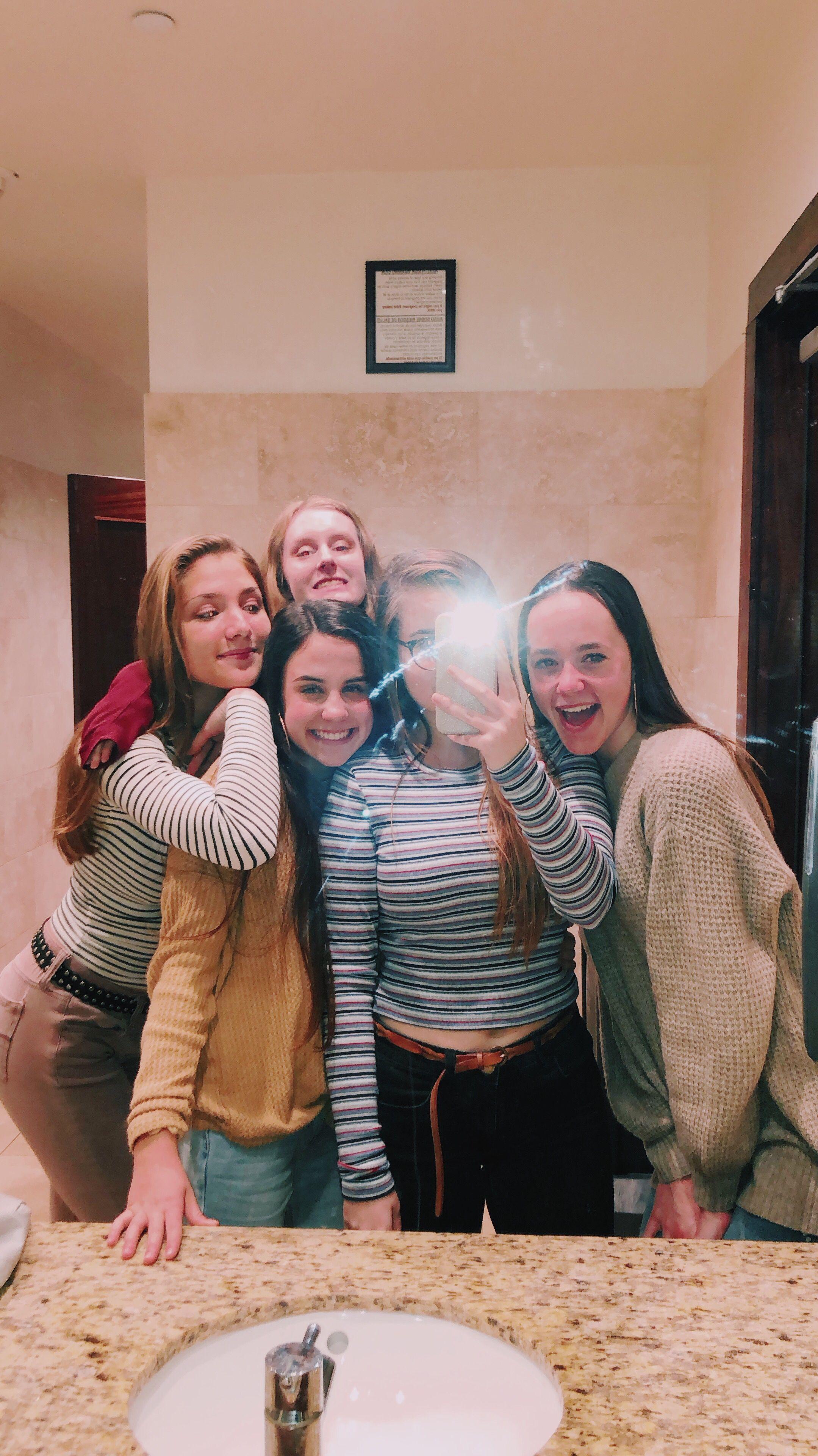 10+ Friends selfie info