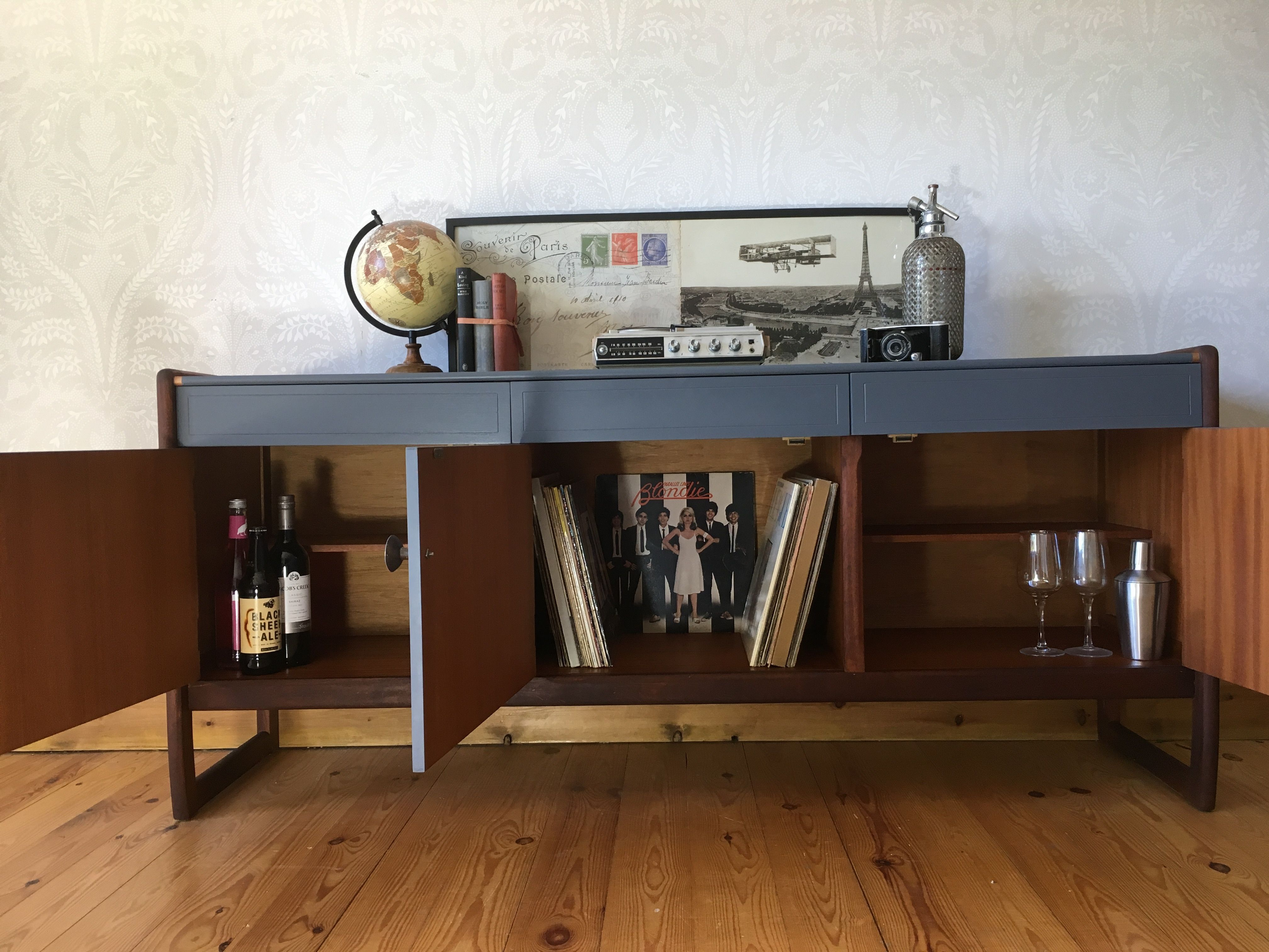 Vintage Retro Mid Century Modern Record Player Record Storage