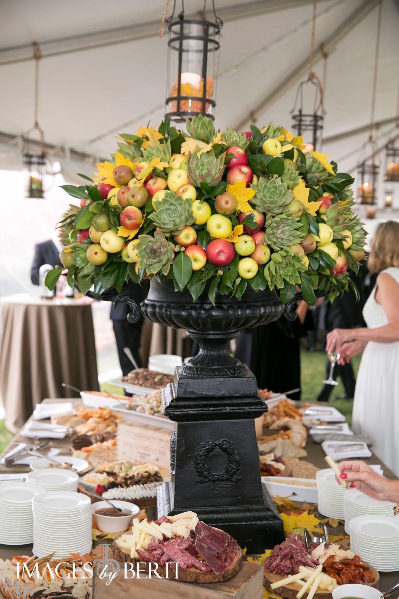 Wedding Decor | Hamilton Farm Golf Club Wedding | NJ Wedding | Fall Wedding | Photography by Berit Bizjak of Images by Berit  #fallwedding #njwedding #weddingdecor #weddingflorals #hamiltonfarmgolfclubwedding    Venue: @hamiltonfarm