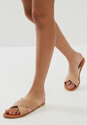 676de6be9 Dailyfriday Ciara Leather Sandal Nude