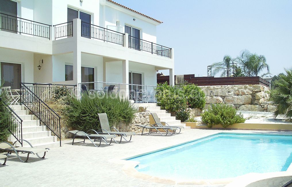 Price Reduced Ref 2896 2 Bedroom Townhouse For Sale In Chloraka Soldoncyprus Soc Townhouse Paphos Cyprus Chloraka Cyp Property Villa Holiday Home