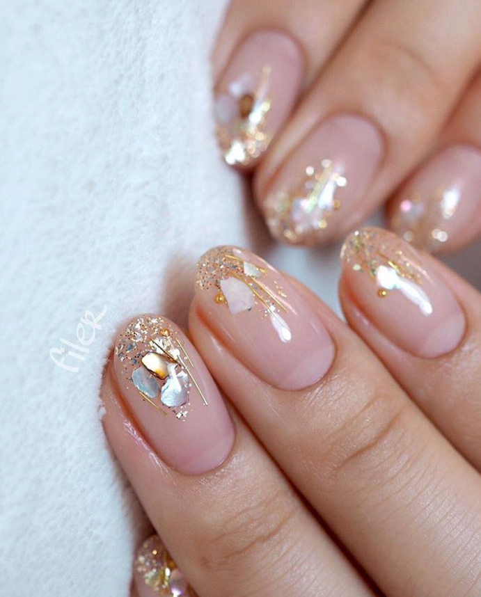 24 Cute Pink Short Nails Design With Printing For Valentines Day