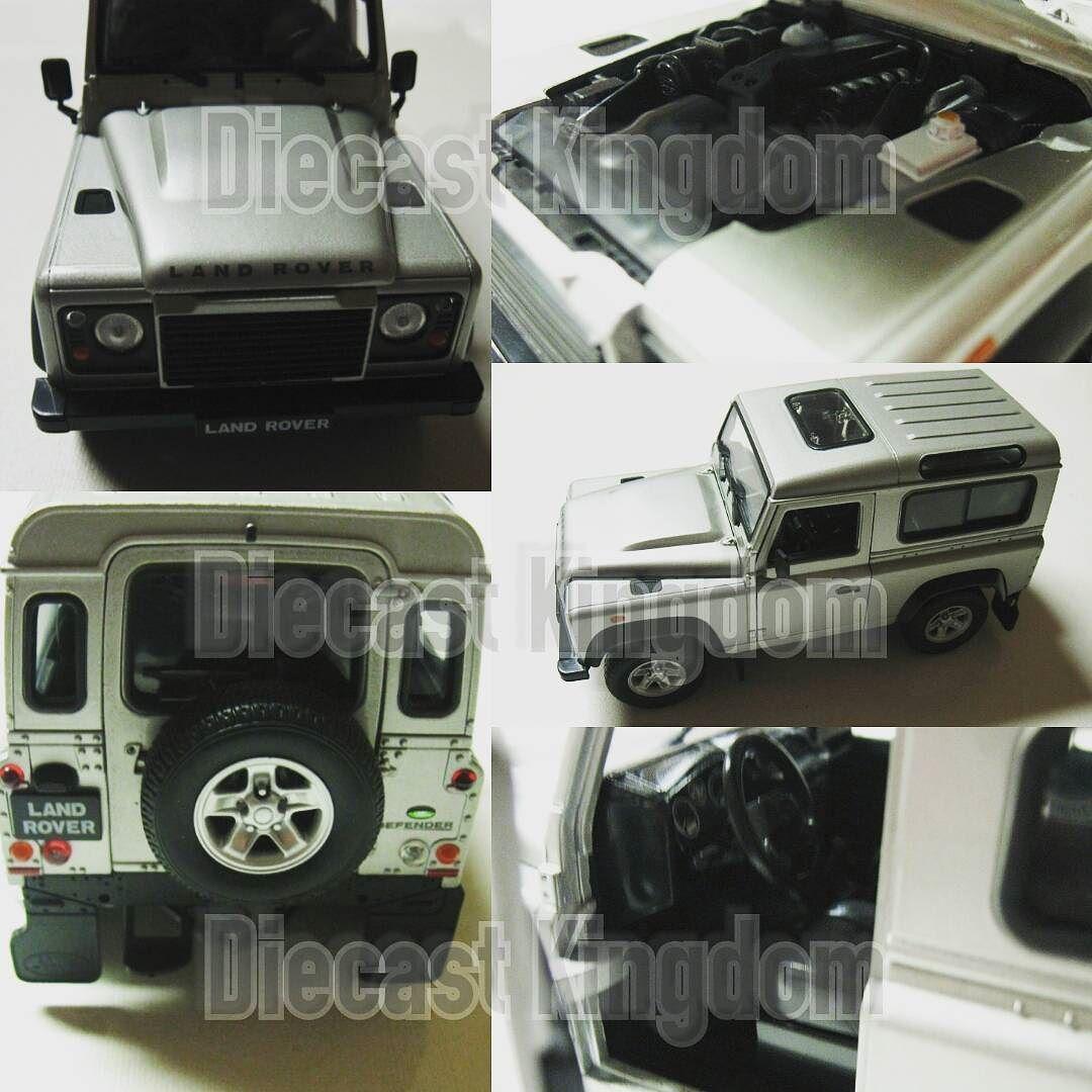 Diecast Land Rover Defender Silver Skala 124 Untuk