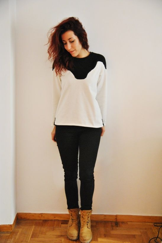 A lovely Zircon sweater in black & white sweatshirt fleece! | Sew ...
