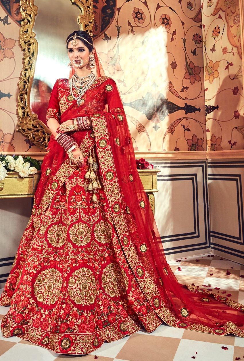 25b3a78c0f Blood Red bridal Lehenga in 2019 | lehngas | Bridal lehenga choli ...
