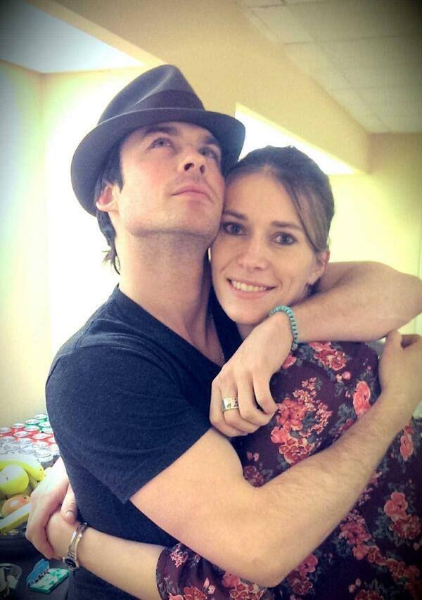 Nina og Ian dating 2013Jeg er dating en cheerleader sang