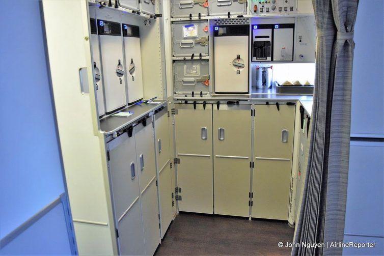Touring Swiss S New Flagship Boeing 777 300er Airlinereporter Locker Storage Boeing 777 Storage