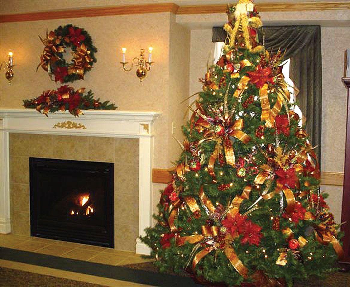 White christmas tree ball ornaments - Inspiring Design Christmas Tree Ideas Green Gold Color