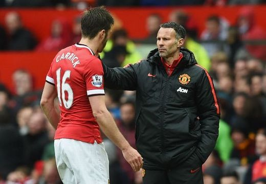 Giggs, Scholes inspire Carrick to 'live right'