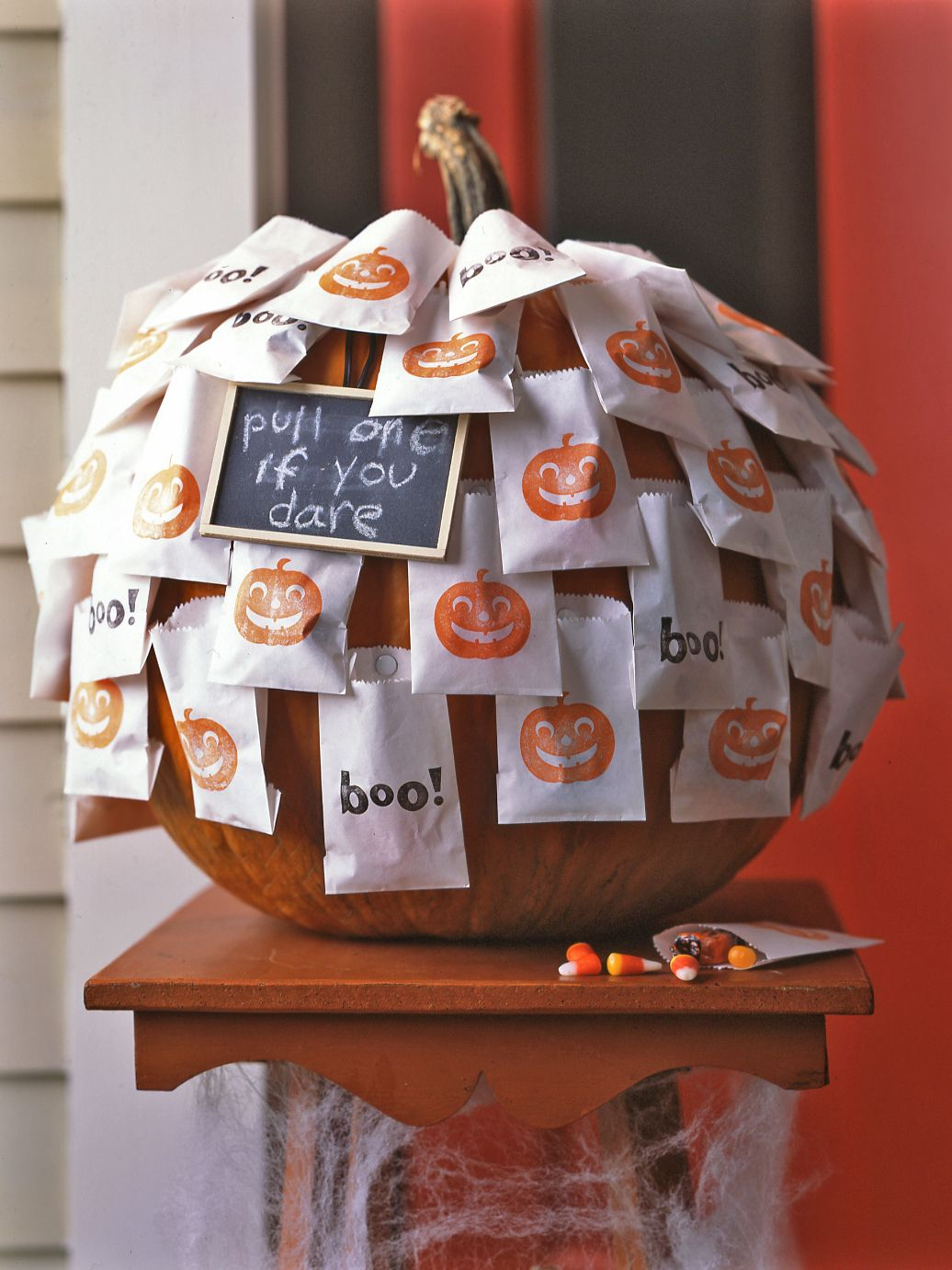 12 Clever Ways to Display Your Halloween Candy for Trick