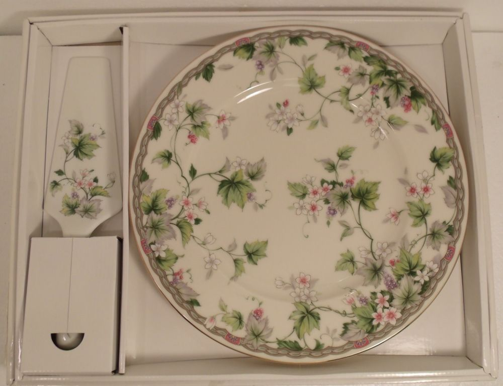 & ANDREA by SADEK CAKE PLATE w SERVER MONICA FLORAL MADE in JAPAN