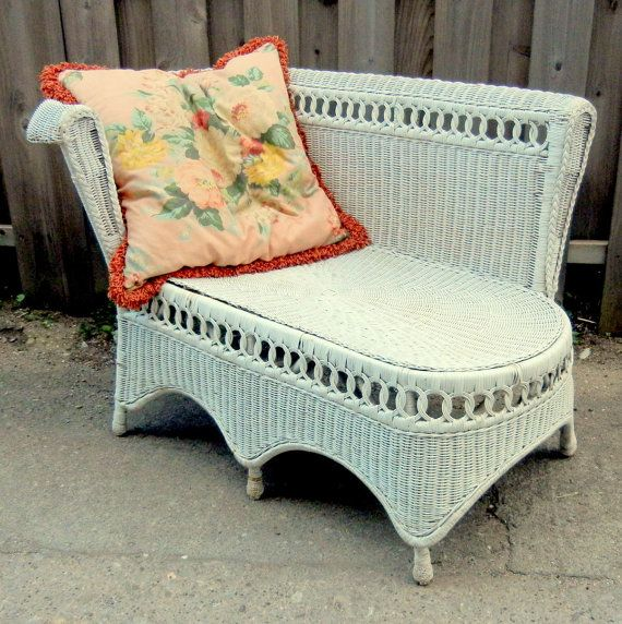Vintage 1940 39 s wicker chaise loung chair by for Antique wicker chaise