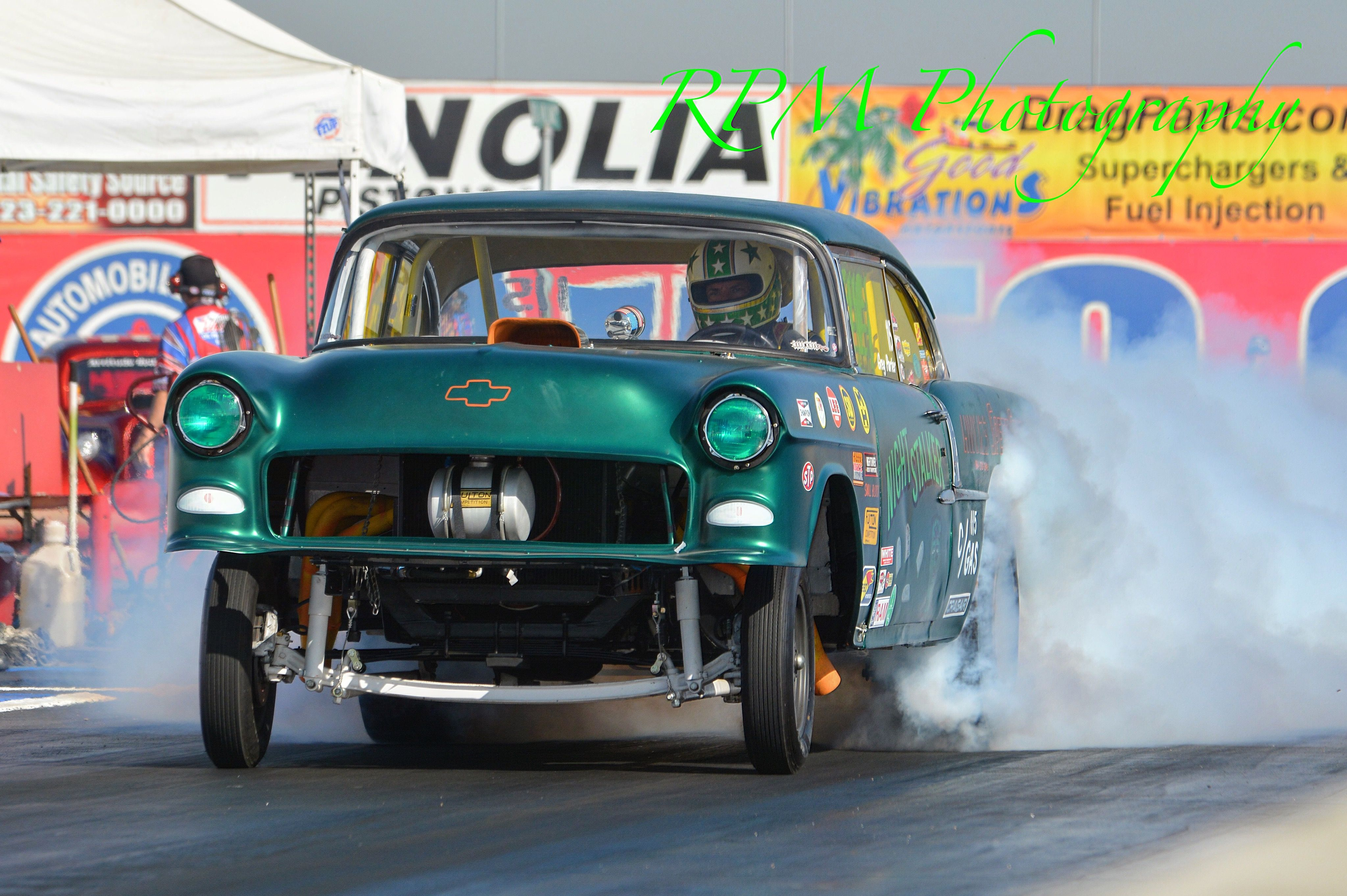 55 Chevy Gasser burnout | ALTEREDS&GASSERS | Drag cars