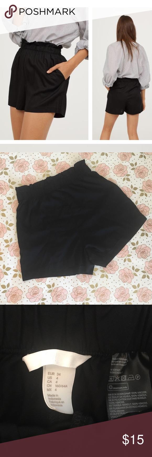 be39e4150d1 H&M Wide Cut Black Shorts Short, wide-cut shorts in woven viscose fabric.