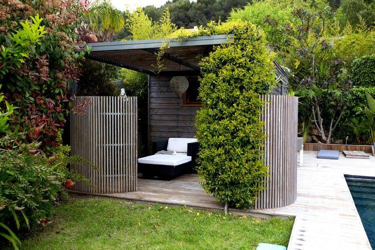 paravent de jardin en bois ajouré, abri de jardin moderne et lit ...