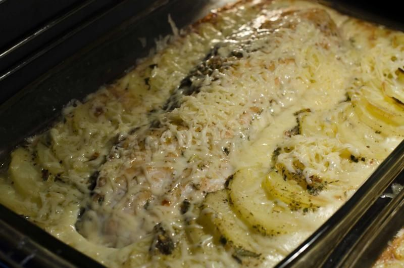 Филе рыбы в духовке в заливке с картошкой рецепт с фото ...