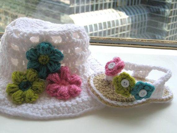 Crochet Pattern  Booties , Baby Flip Flops or Thongs for Girls, Crochet Pattern in 4 sizes( pdf pattern for sale)