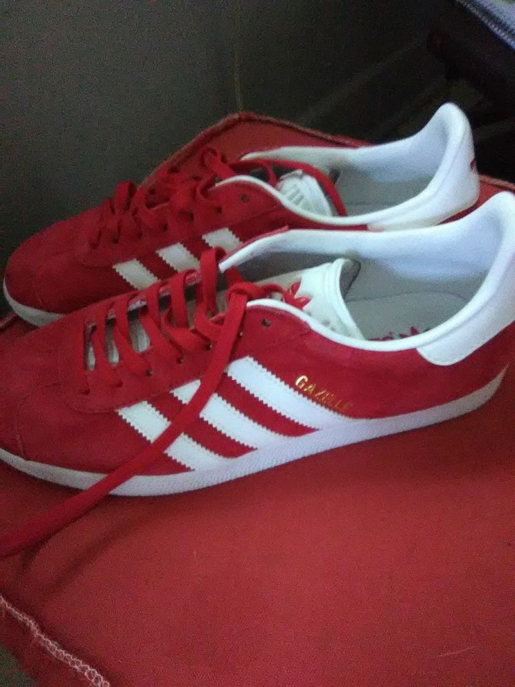 Adidas Gazelle Mens Shoes Sneakers Suede Scarlet Red S76228