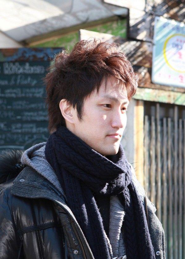 70 Cool Korean  Japanese Hairstyles For Asian Guys 2020-9795