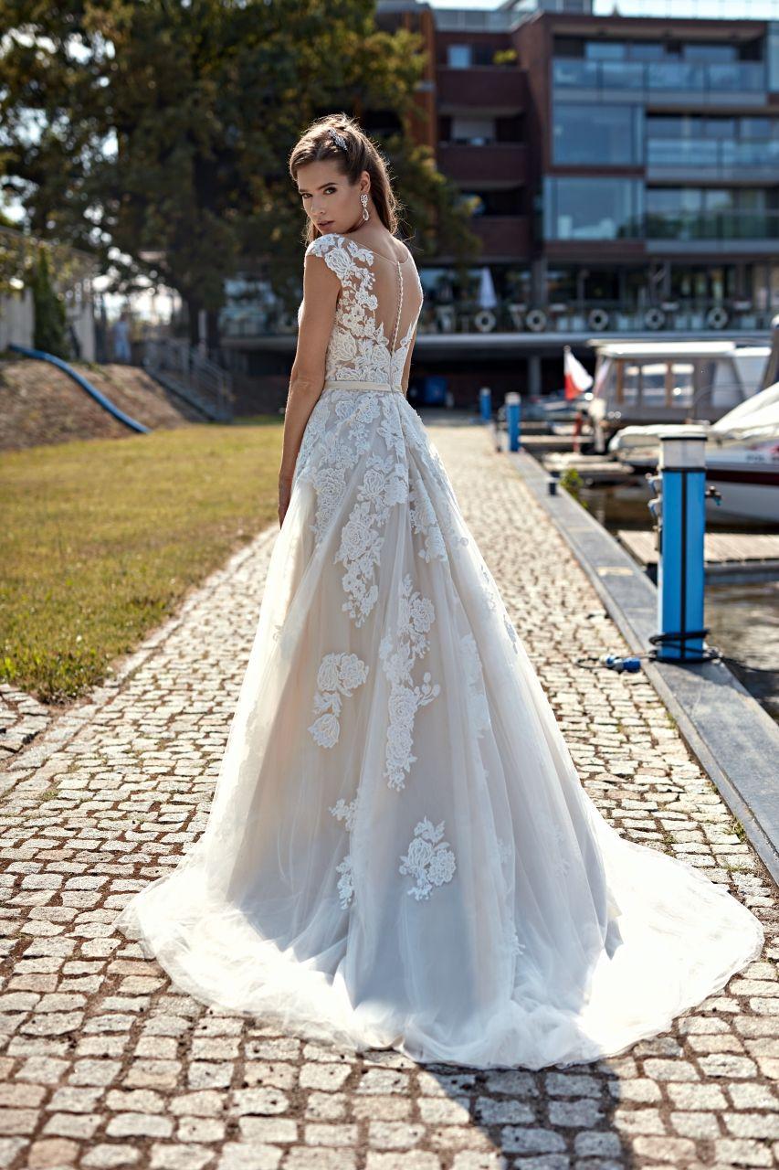 Pin von Brautmoden Kampa auf Wedding  Annais bridal, Brautmode