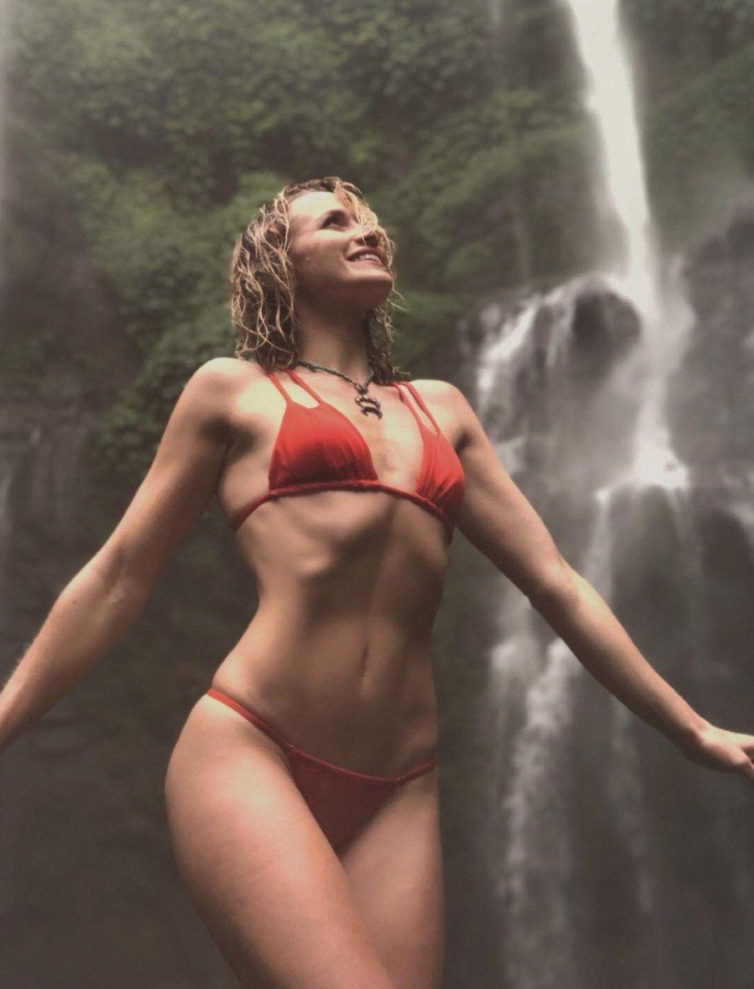 pictures Shantel vansanten wearing a bikini