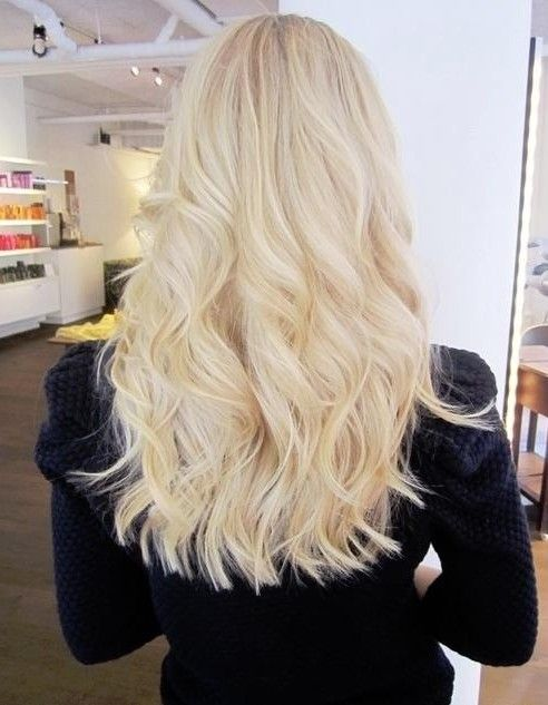 Blunt Hairstyles Long Wavy Hair Light Blonde Highlights