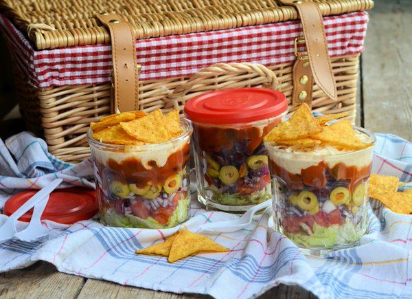 Celebrating #PicnicDay  A captive foodie market awaits picnic hampers-to-go. Post specials @Chefya_