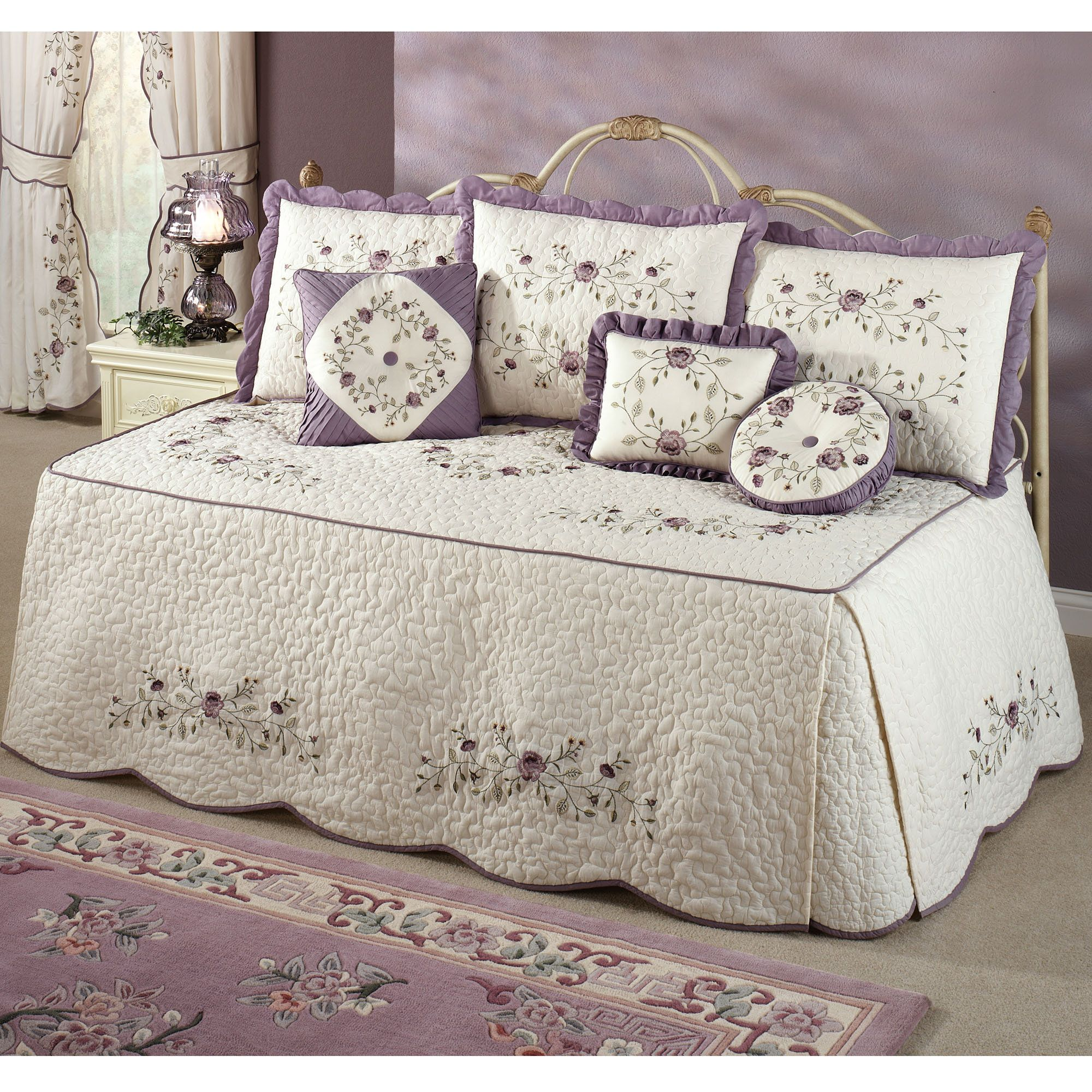 Lovely Vintage Bloom Lavender Daybed Bedding