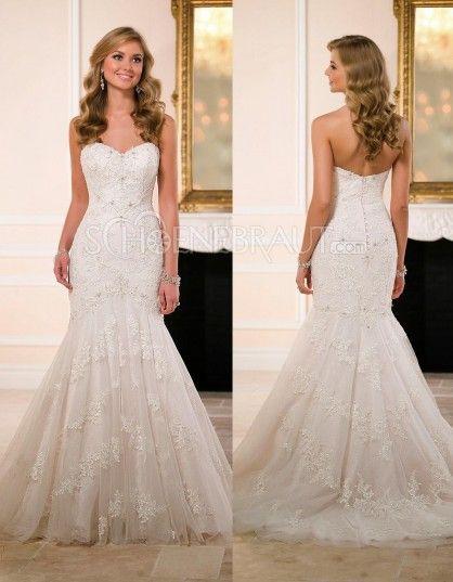 triumph   Hochzeit Julia   Steffen   Pinterest   Brautkleid ... 4903803c86