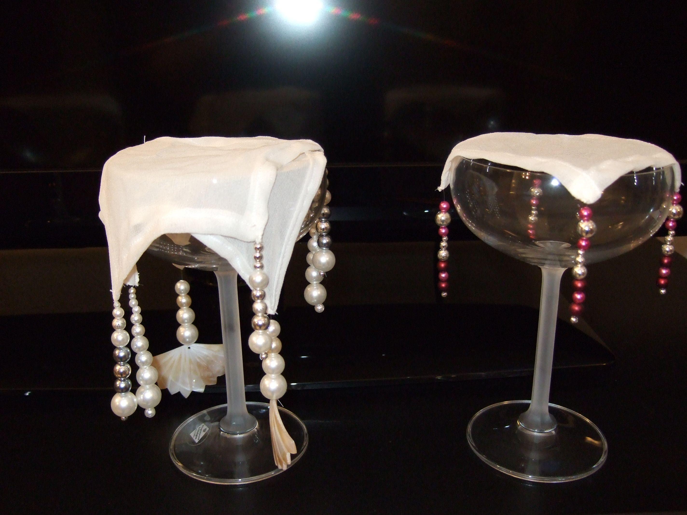 Seiden-Abdeckung für Gläser mit Perlen verziert