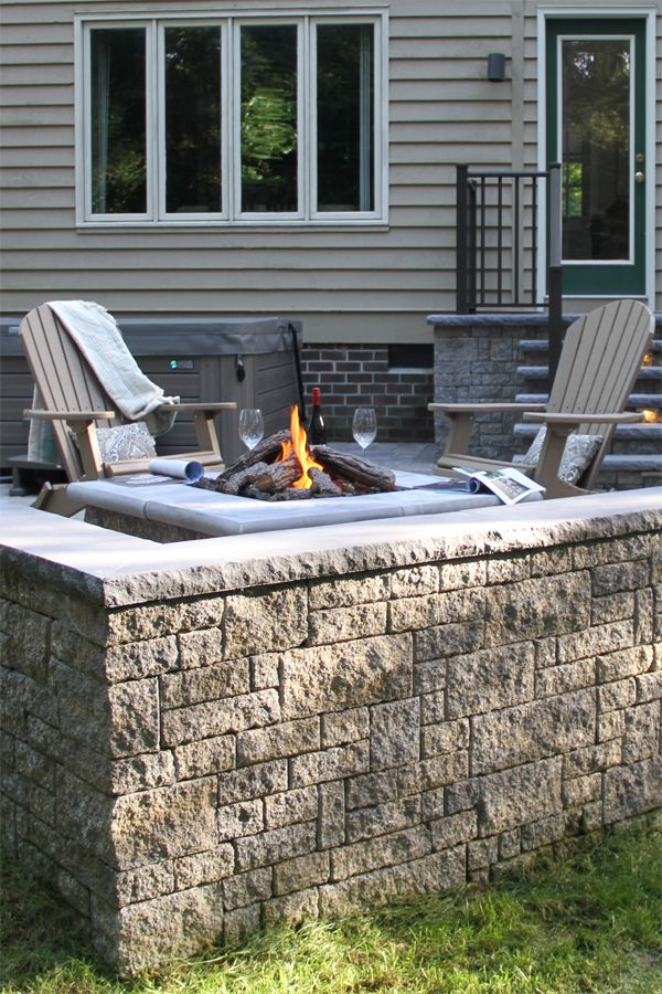 Designed To Add The Elegance Of Natural Stone To Any Yard Or Property Stoneledge Wall Is Suitable For Many Applications Patio Free Standing Wall Wall Systems
