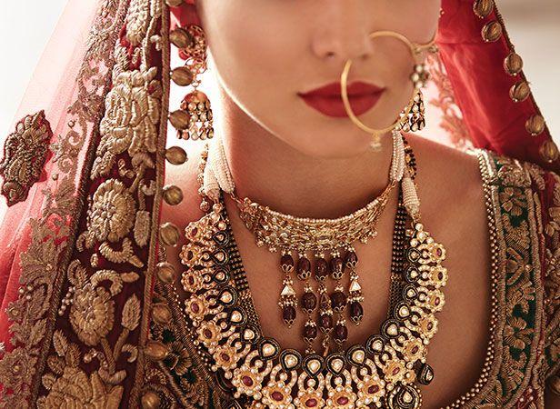 Tanishq Punjabi Bride Wedding Jewellery Collection10 Bollywood
