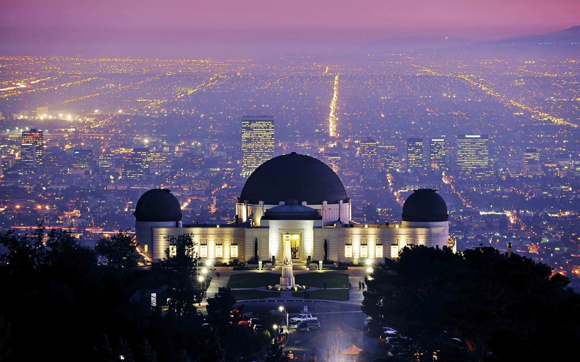 Beautiful City Scenery From The View Of Griffith Observatory Griffith Observatory California Wallpaper Los Angeles Wallpaper