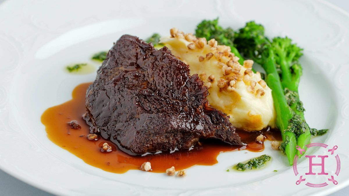 خدود بقرية مطهوة ببطئ Slow Cooked Cheeks Click To Learn More Horatiilounge Horatiilounge اتصل او واتس اب ٣٣٠٩٧٧١٥ للاستفسار Main Dishes Dishes Delicious